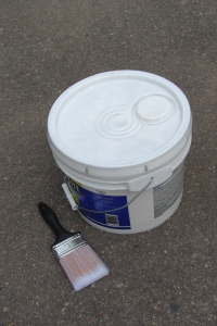 Plastsic_pail_of_paint
